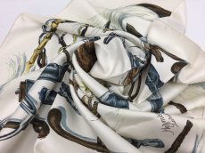 "Photo2: Auth Hermes  100% Silk Scarf  ""À propos de botter""  9H120270g (2)"