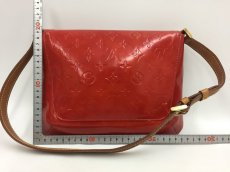 Photo2: Auth LOUIS VUITTON Vernis Red Thompson Street Shoulder bag  9L270130n (2)