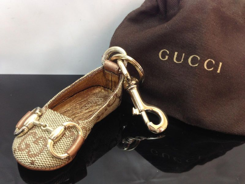 Photo1: Auth GUCCI GG pattern Shoes Motif Key Ring Charm 8D240200m (1)
