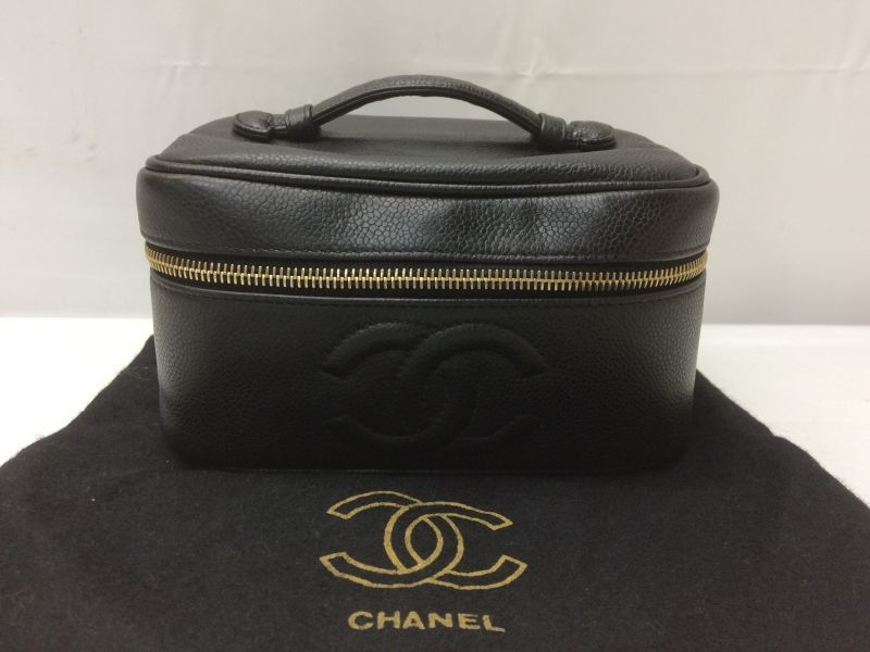 Photo1: Auth CHANEL caviar  skin Canvas Make up Cosmetic Porch Hand Bag 8L220200n (1)