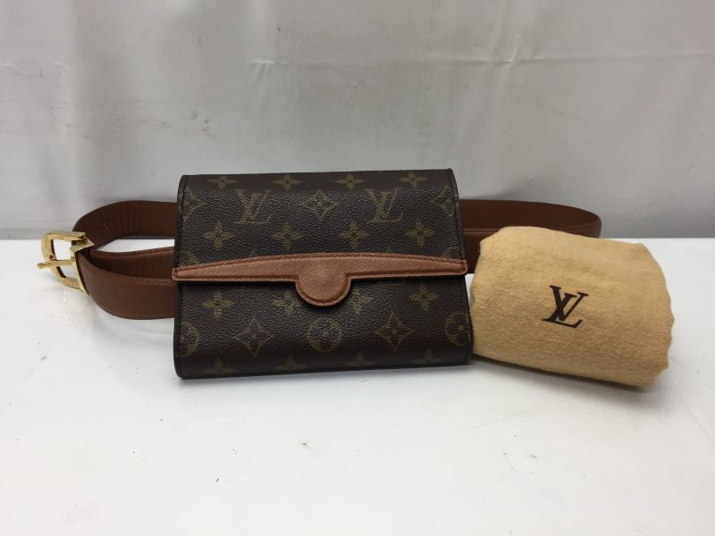 Photo1: Authentic Louis Vuitton Monogram Pochette Arche Pouch Bum Bag 9D190900F (1)