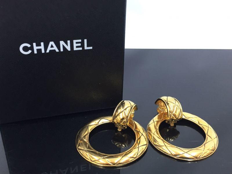Photo1: Auth CHANEL  Gold tone Clip-On 2 way use Earrings 9H120080n (1)